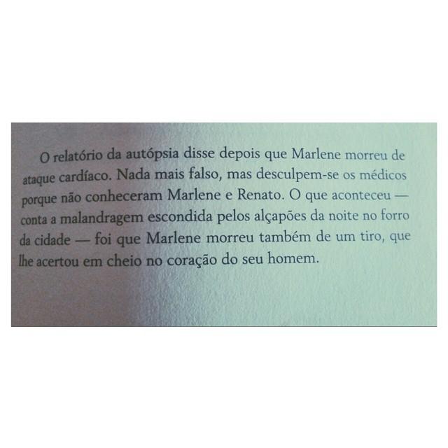 """última página de """"crónicas dos bons malandros"""" de mário zambujal. lida e fotografada hoje."""